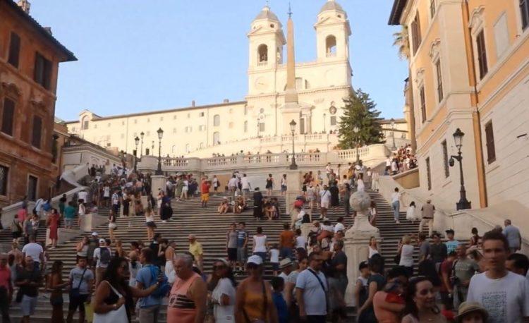 escalera de la plaza de España en Roma