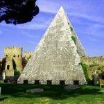 Una pirámide egipcia en Roma. Pirámide Cestia