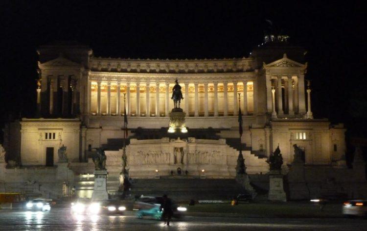 actividades y tours en roma de noche